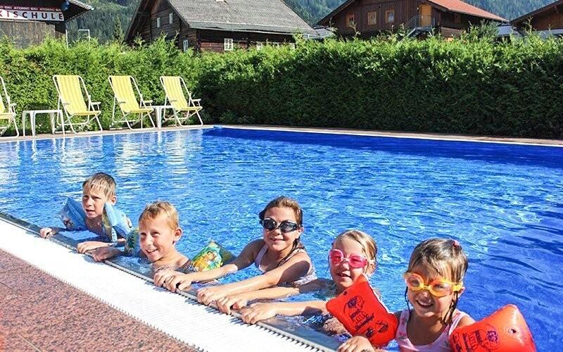 Vonkajší bazén si užijete neobmedzene