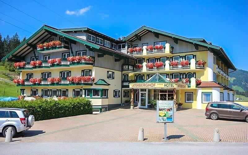Navštivte rodinný hotel ve středisku Flachau