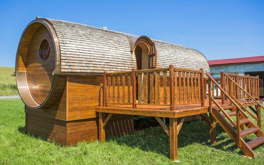 Ubytovat se můžete i ve stylovém dřevěném sudu