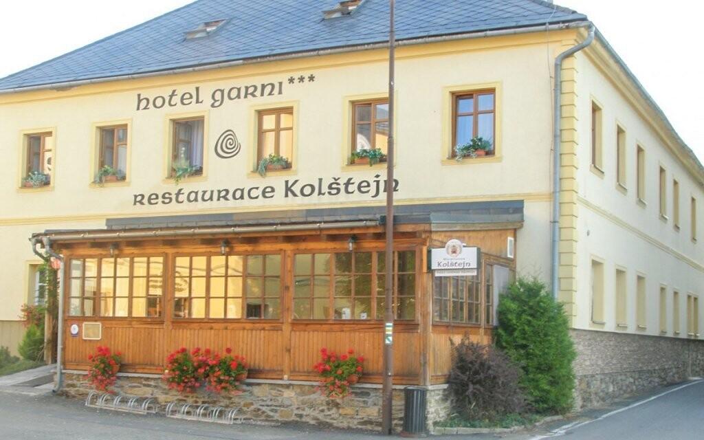 Ubytujte se v Hotelu Garni Kolštejn ***