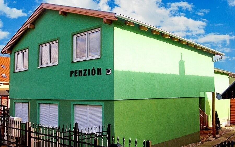 Penzion Alfa leží v oblíbené Podhájské