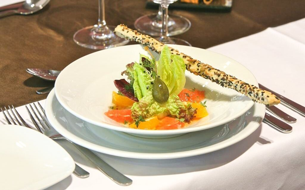 Ochutnáte tradiční speciality i mezinárodní kuchyni