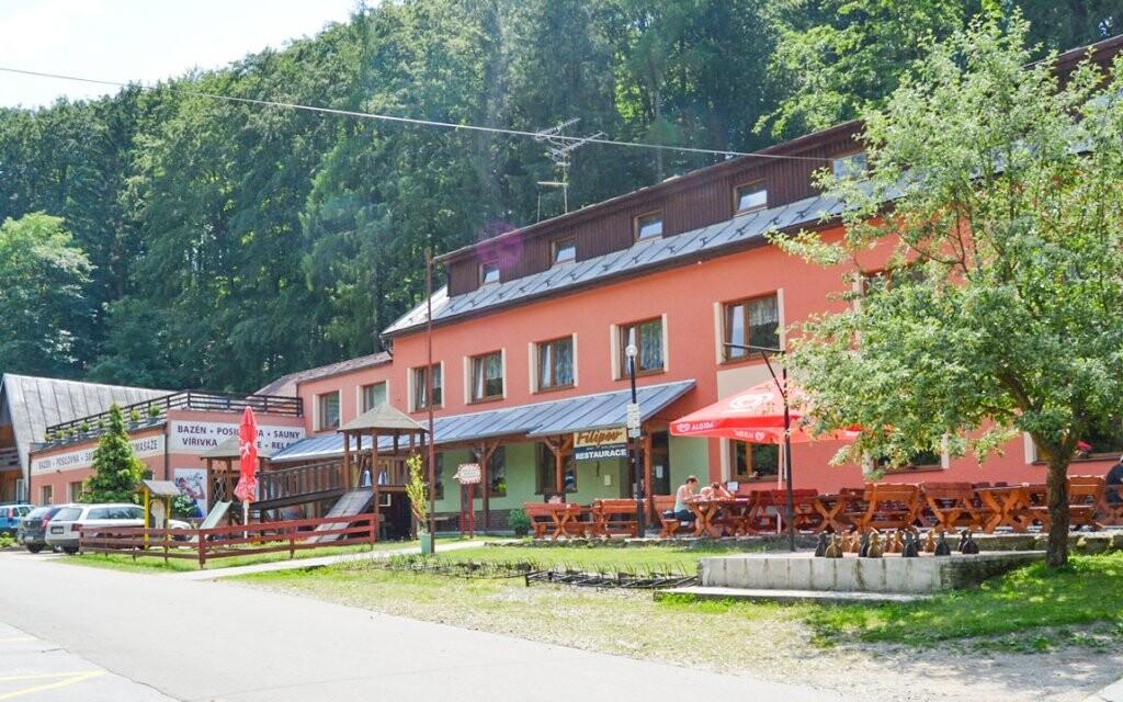 Hotel stojí v krásném, klidném prostředí