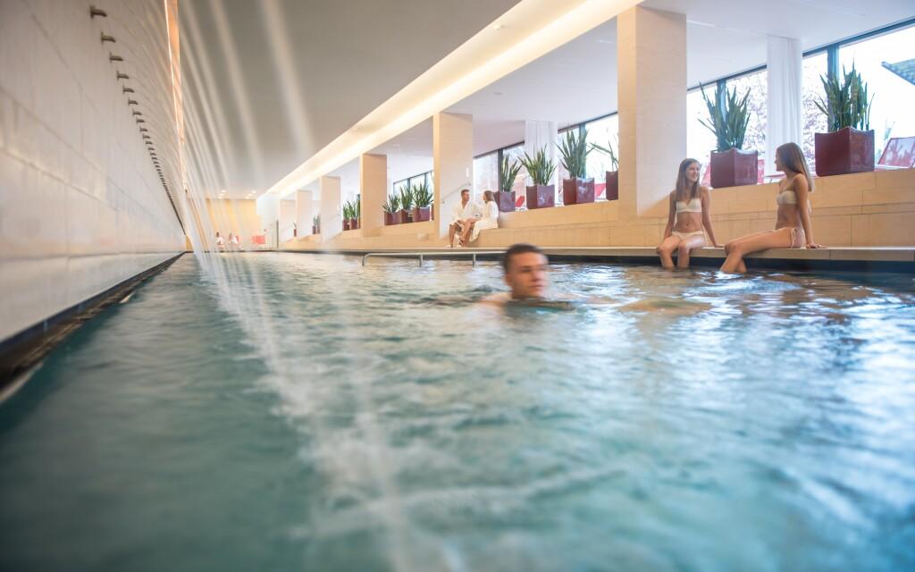 Uvoľnite sa v hotelovom wellness, bazén