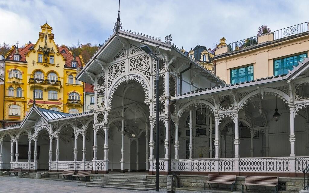 Historická kúpeľná kolonáda Karlovy Vary