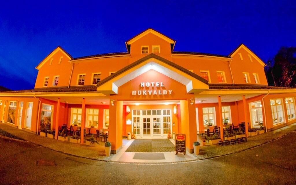 Pobyt si užijete v moderním hotelu Hukvaldy