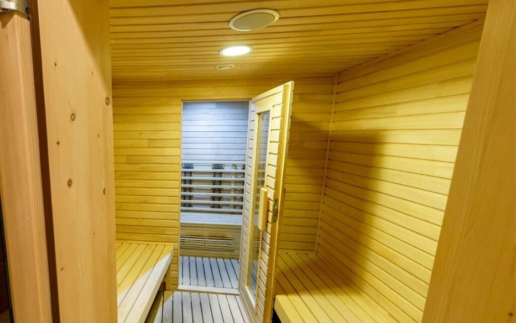 Na výběr máte finskou a infra saunu