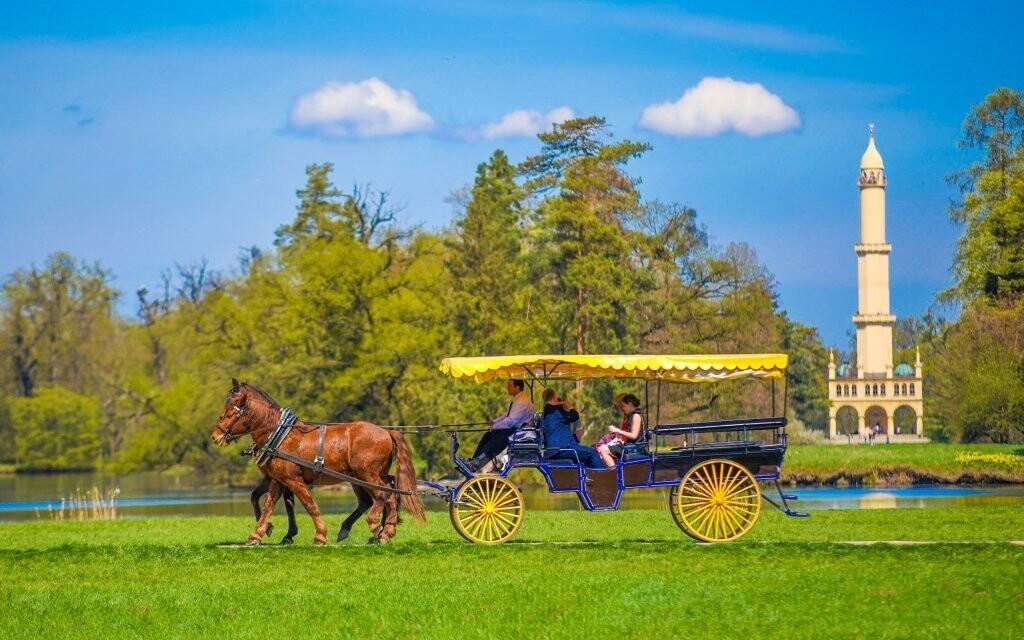 Súčasťou balíčka je jazda v koči ťahanom koňmi
