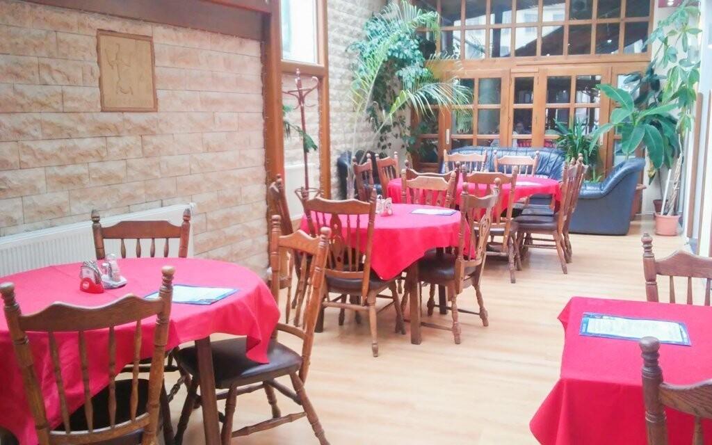 Navštívte niektorú z troch reštaurácií