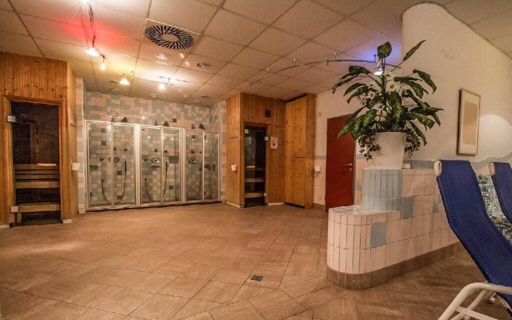 Ve wellness vás čekají i sauny a relaxační místnost