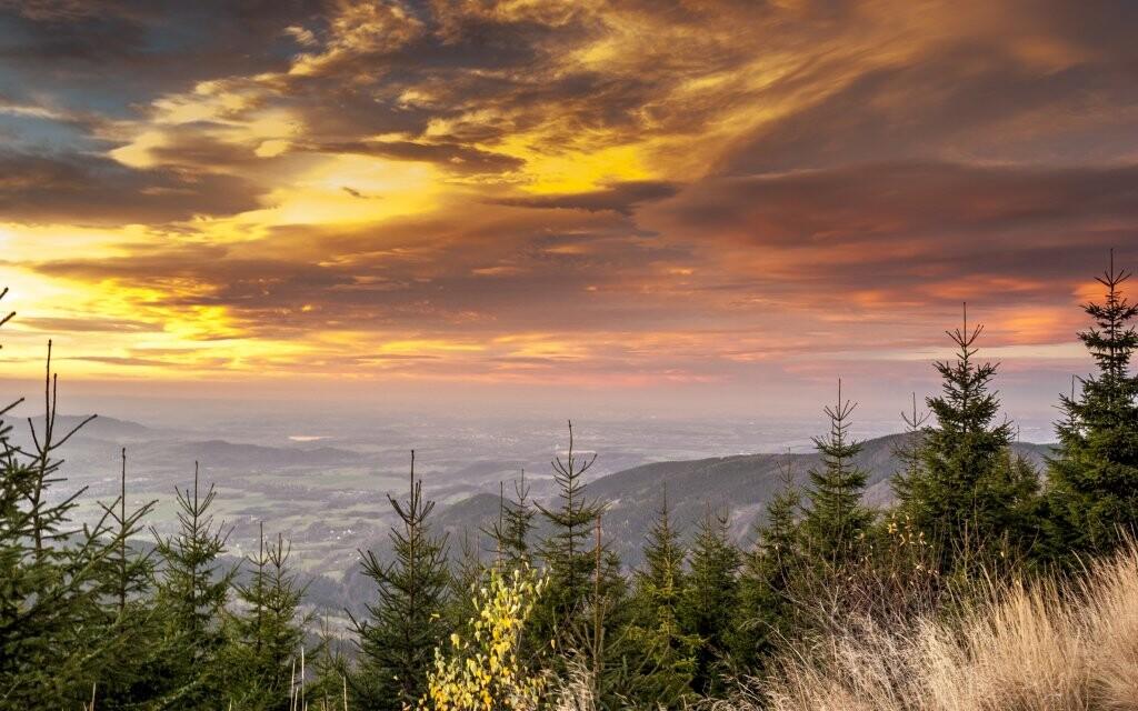 Západ slnka nad Lysou horou, prírodné scenérie, Beskydy