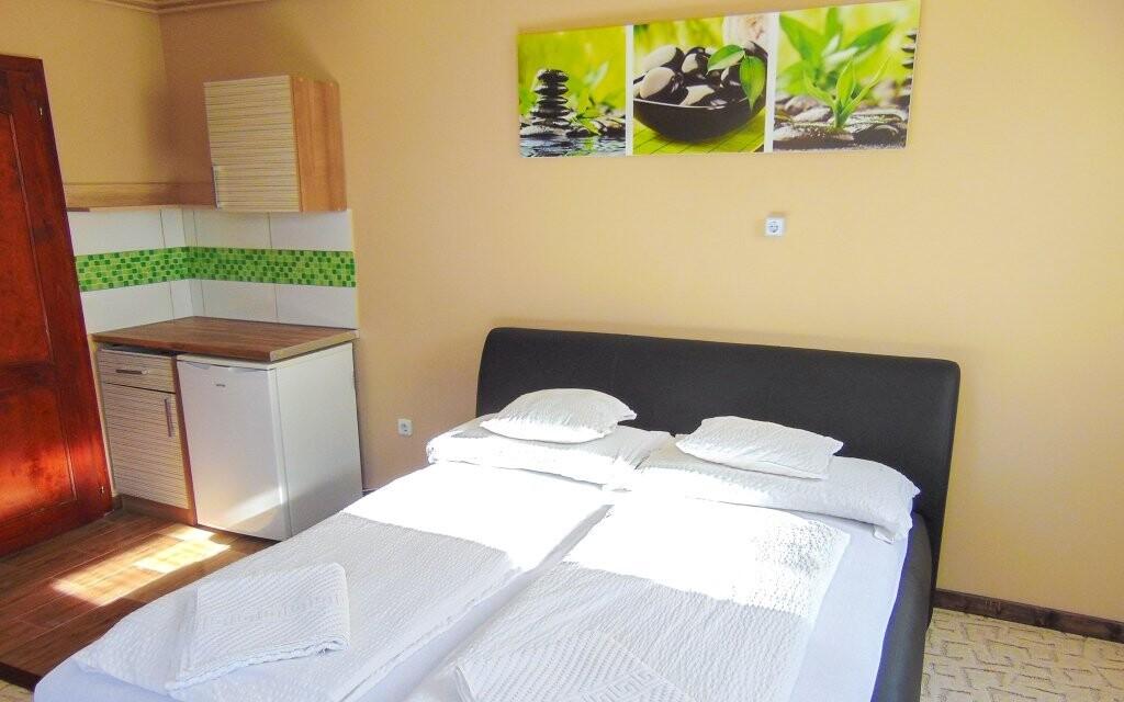 Pokoje jsou moderní a pohodlné