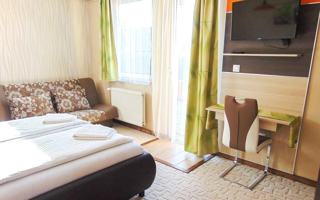 Pokoje jsou zde moderně a pohodlně zařízeny