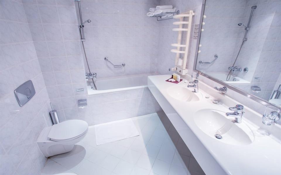 Samozrejmosťou je vlastná kúpeľňa