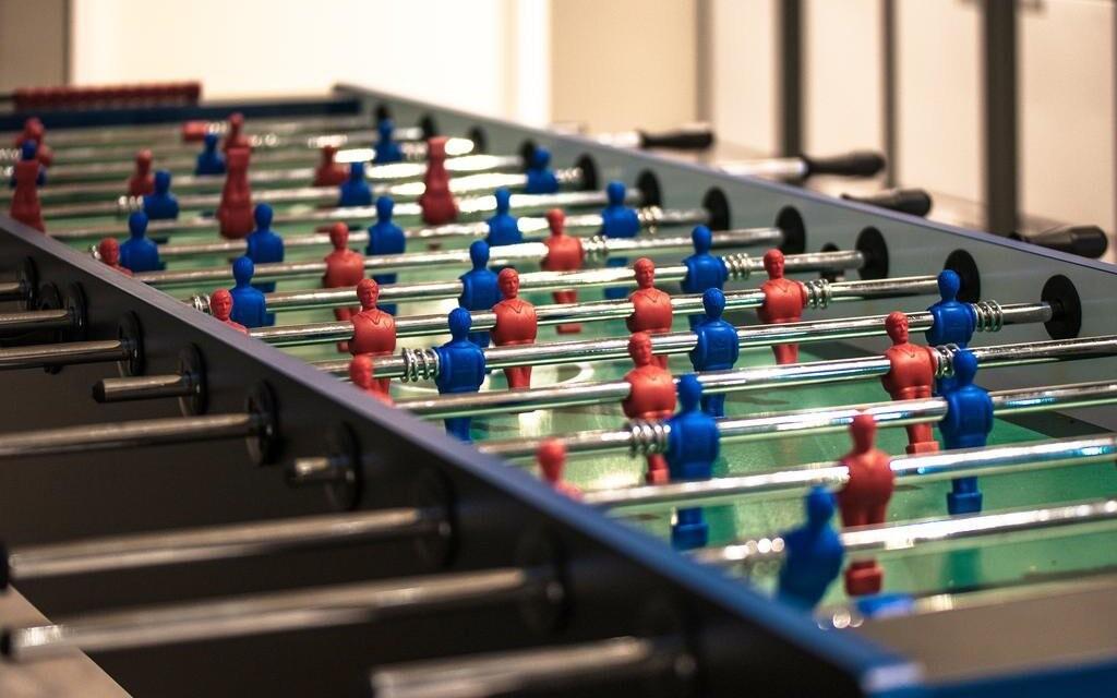 Zahrajte si stolný futbal
