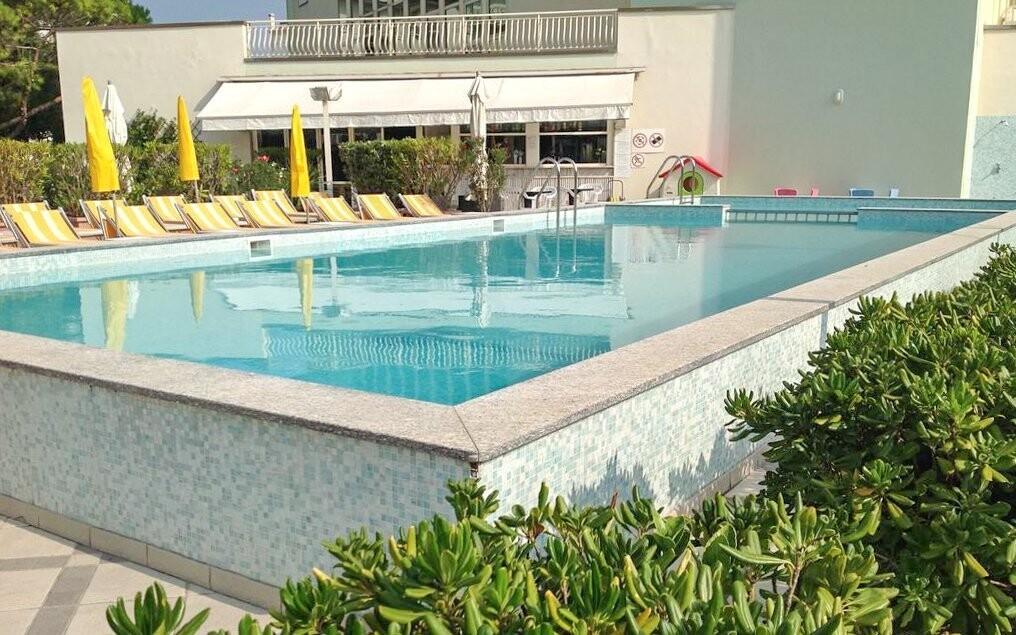 Do hotelového bazénu máte neomezený vstup