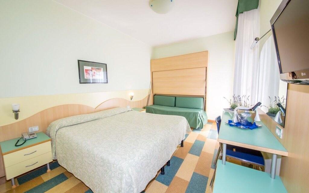 Pokoje jsou vybavené i klimatizací