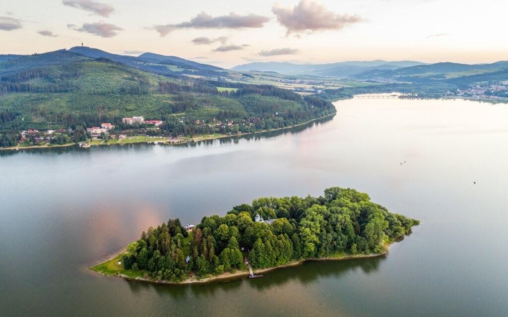 Oravská přehrada, Oravské Beskydy, Slovensko