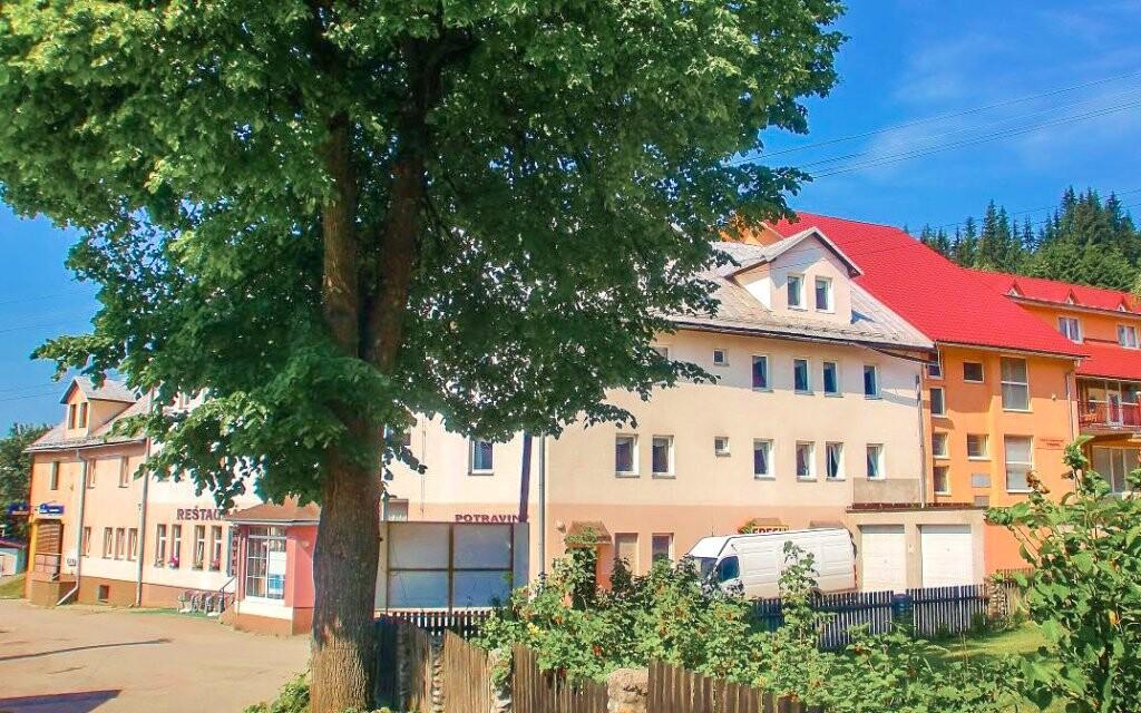 Wellness Hotel Tyrapol, Oravská Lesná, Slovensko