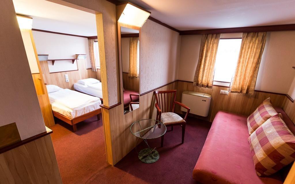 Standard pokoje ve Fortuna Boat Hotelu
