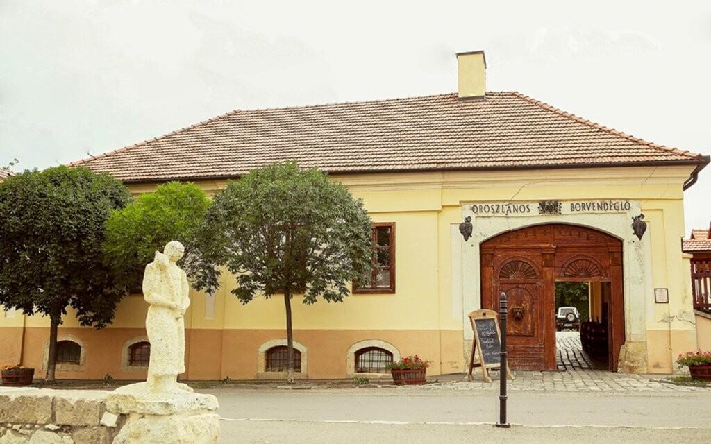 Oroszlános Wine Hotel leží v srdci vinařské oblasti