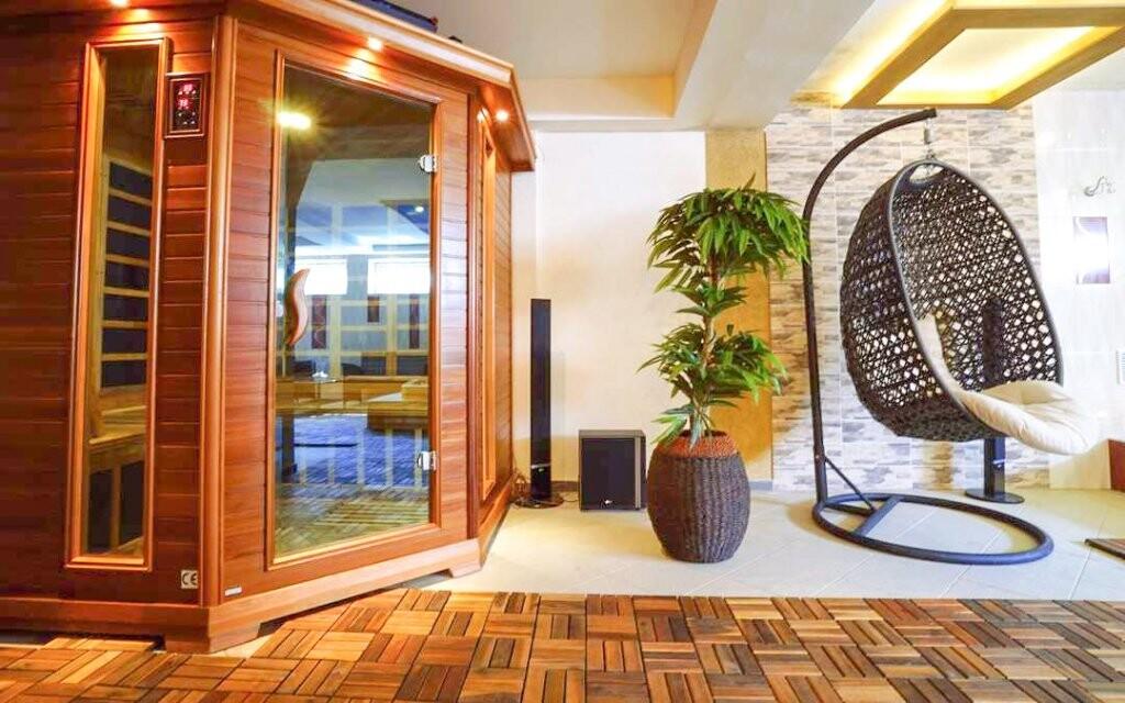 Ve wellness čeká také sauna