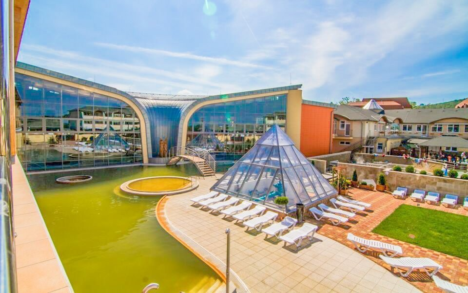 Zavítajte na termálne kúpalisko v Podhájskej