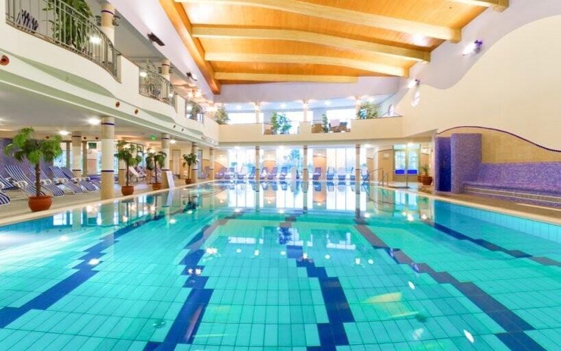 Užite si päť vnútorných bazénov