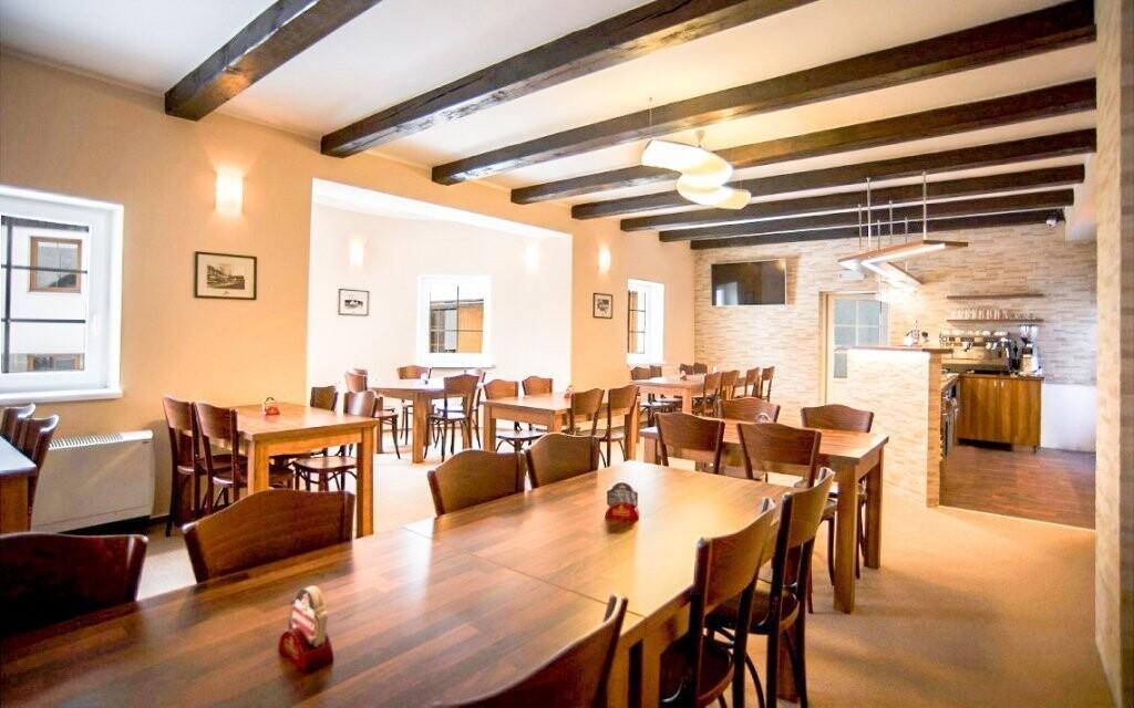 Restaurace je zaměřená na českou kuchyni