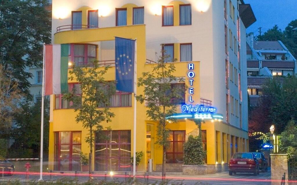 Hotel Mediterran **** se nachází jen kousek od centra