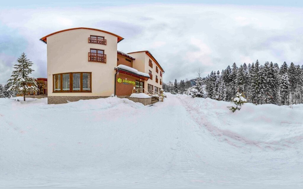 Hotel Javorník *** stojí uprostřed krásné přírody