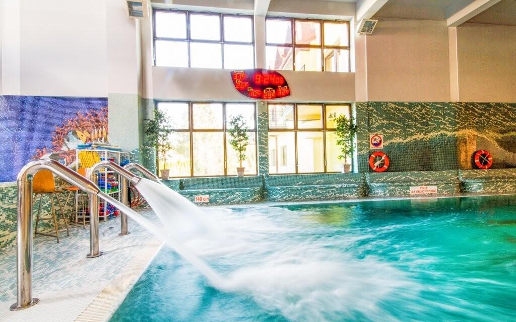 Užite si voľný vstup do hotelového bazéna s toboganom