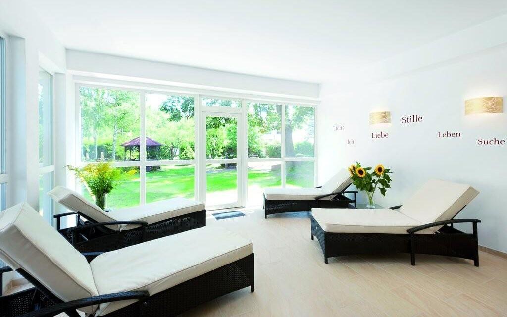 Odpočiňte si v příjemně zařízené relaxační místnosti