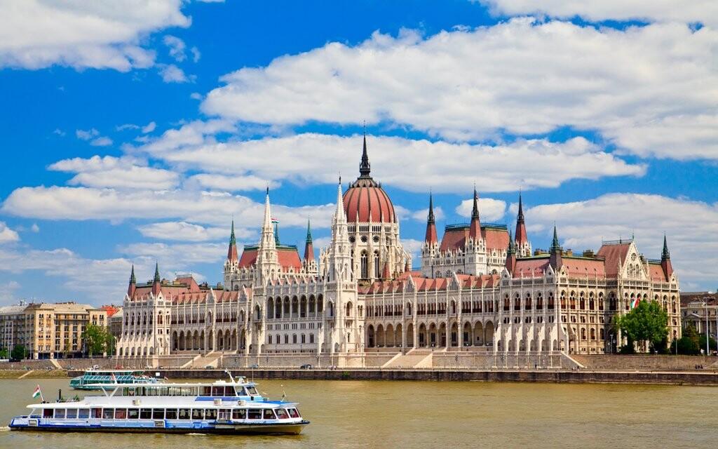 Budova Parlamentu, historické centrum Budapešť, Maďarsko