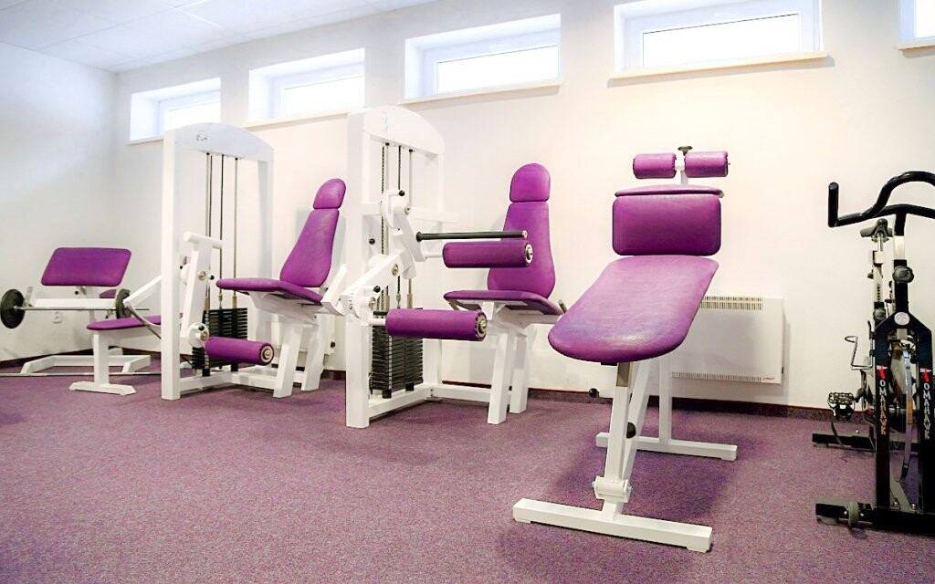 Neomezeně můžete využívat i fitness centrum
