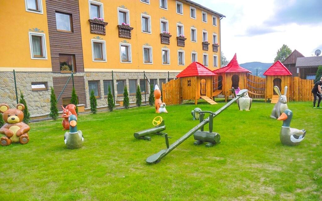 Dětské hřiště, Hotel Husárik ****, Kysucké Beskydy, Slovensk