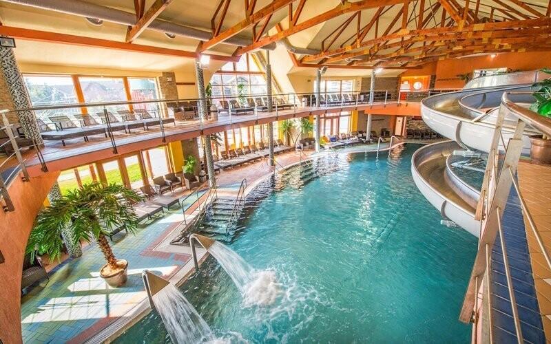 Navštívit můžete i termální lázně Bešeňová
