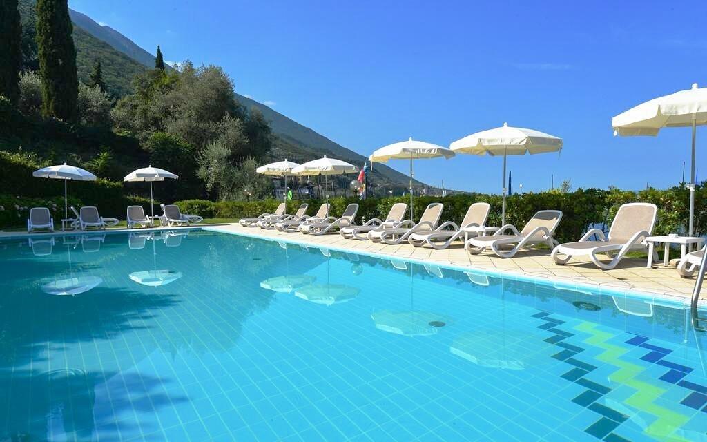 Užijete si také hotelový bazén