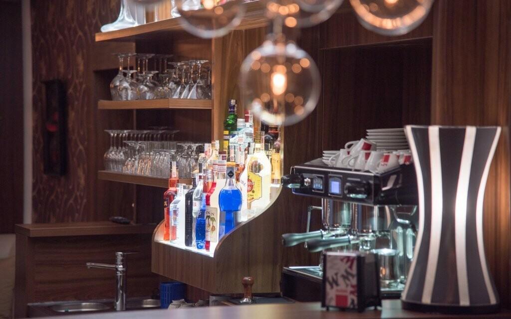 Usaďte se v kavárně a dopřejte si šálek lahodného nápoje