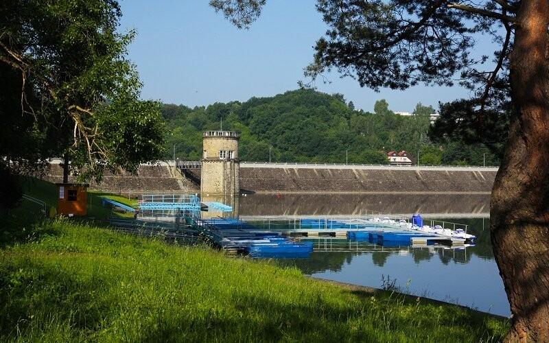 Pokračujte v procházce až k Luhačovické přehradě