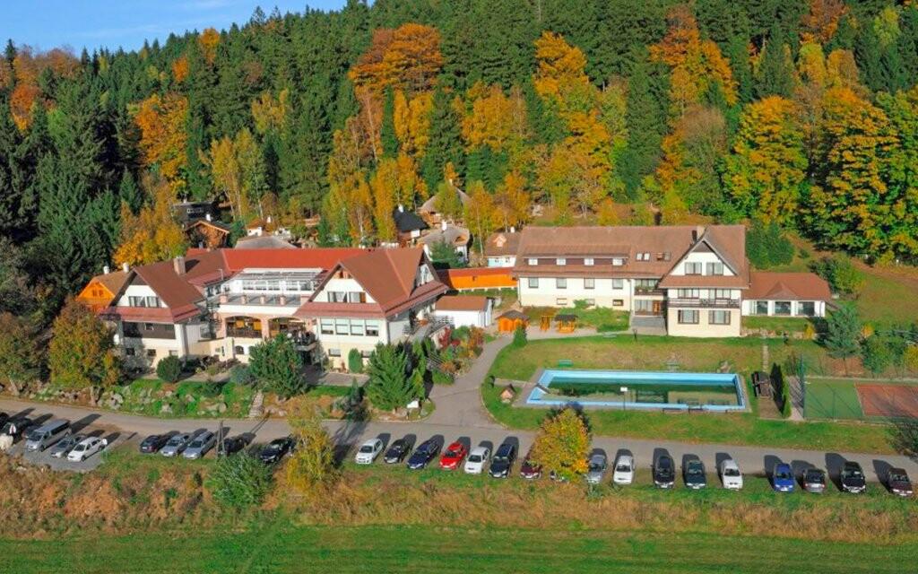 Hotel Podlesí *** na Vysočině a Pohádková vesnička