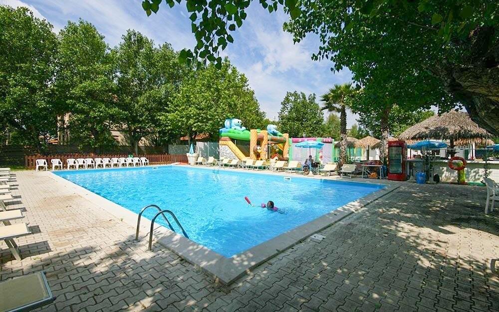 Můžete dokoupit i vstup do aquaparku a na dětské hřiště