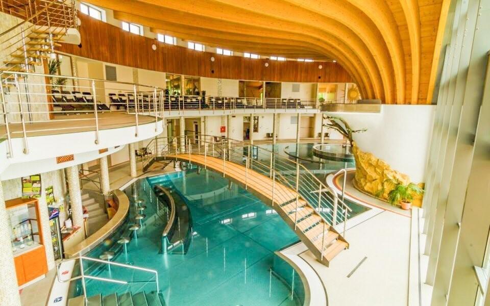 Užite si perfektný relax v neďalekých kúpeľoch Podhájska