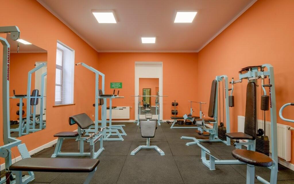 K dispozici je fitness centrum