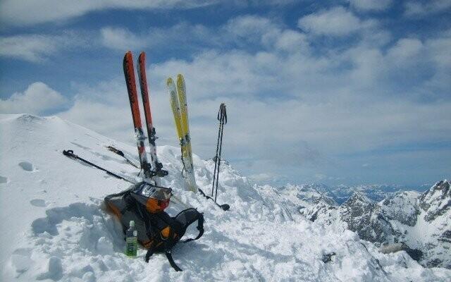 Nezapomeňte přibalit lyžařské vybavení