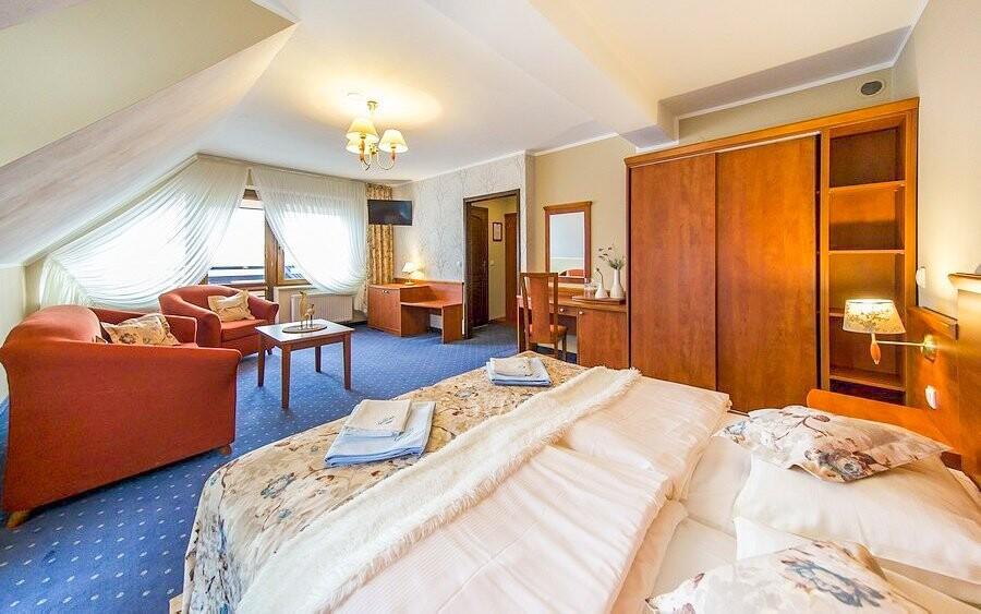 Čekají vás čisté vybavené pokoje i příjemný personál