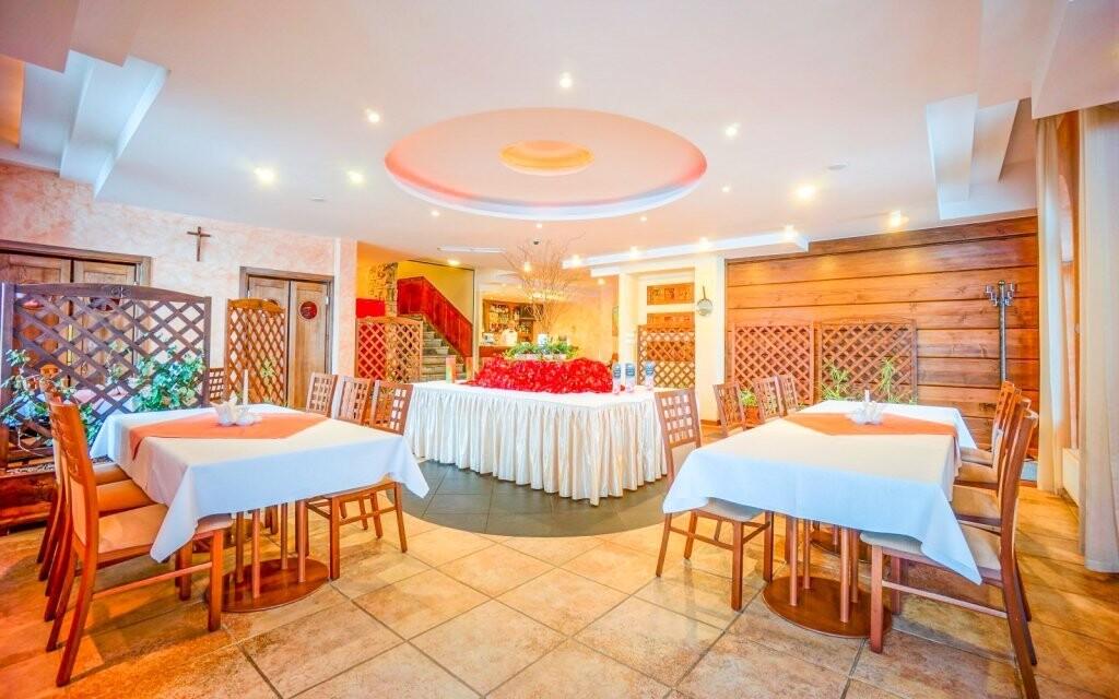 Vychutnejte si polopenzi v elegantní restauraci