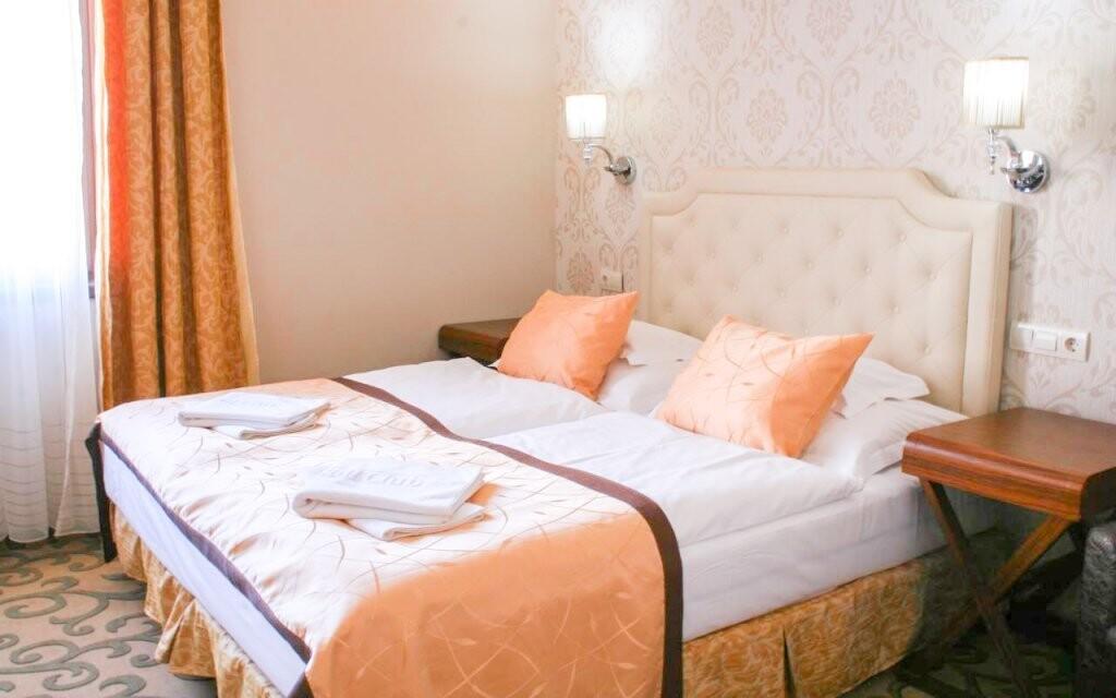 Dvoulůžkové pokoje Hotelu Golden Ball Club **** v Györu