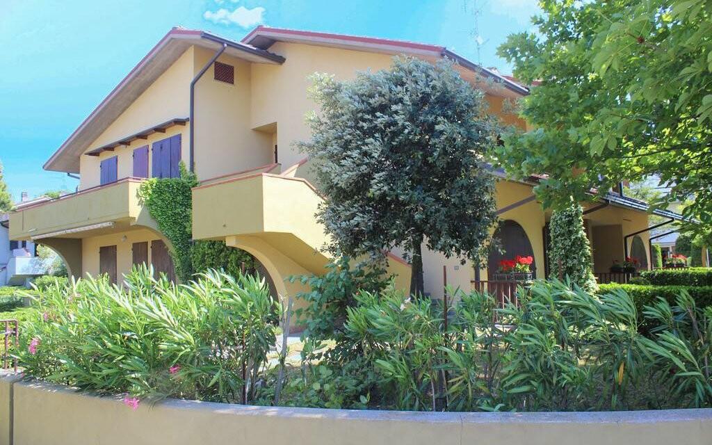 Villa Rossella stojí jen 400 m od pláže