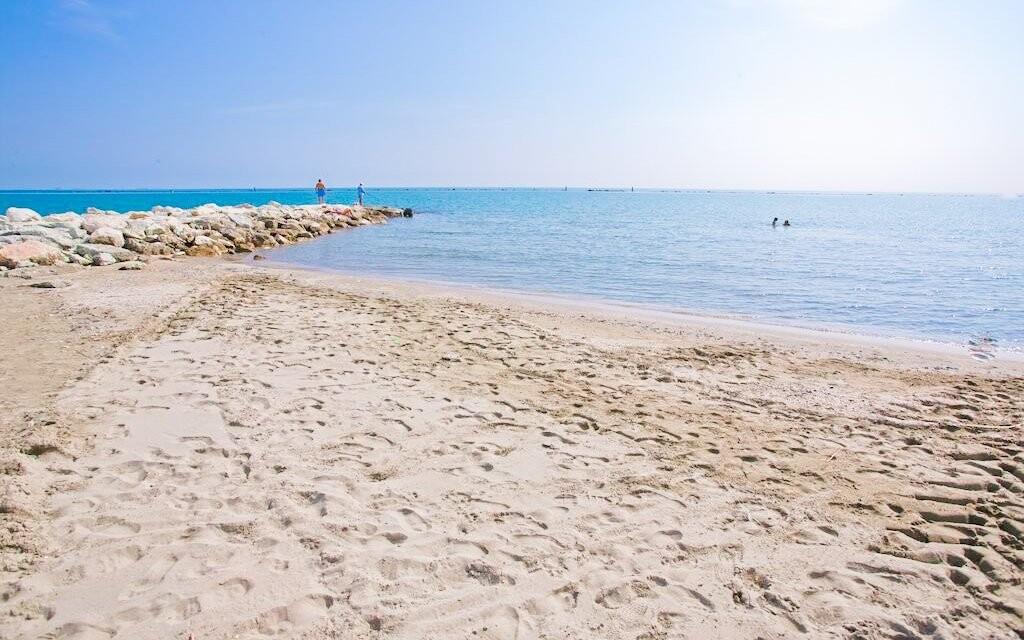 Relaxujte na písečné pláži